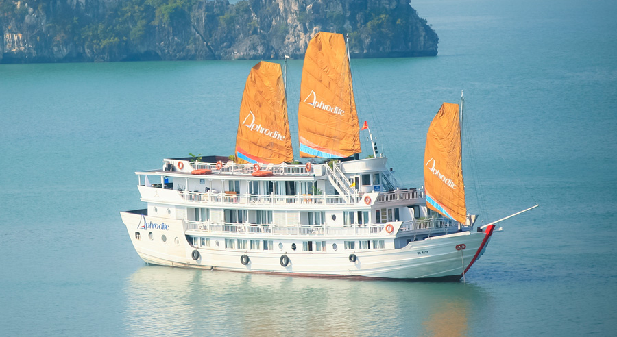Aphrodite Cruise, Ha long bay Cruises, Aphrodite Cruise, Ha long Bay 01