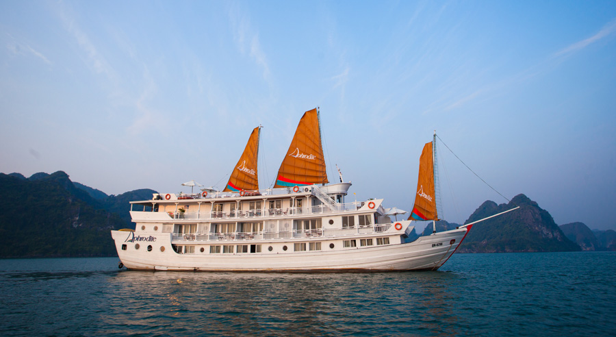 Aphrodite Cruise, Ha long bay Cruises, Aphrodite Cruise, Ha long Bay 02