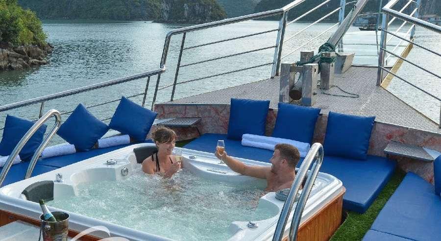 Oasis Bay Cruise , Ha long bay Cruises, Oasis Bay Cruise, Ha long bay 13