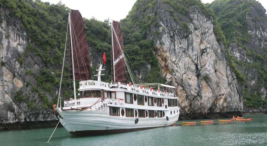 Oriental Sails Cruise, Bai Tu Long Cruises, Oriental Sails Cruise Bai Tu Long 02