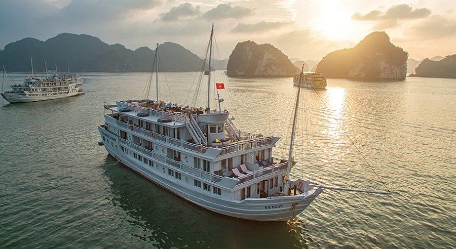 Paradise Luxury Cruise, Ha long bay Cruises, Paradise Luxury Cruise, Ha long Bay 01