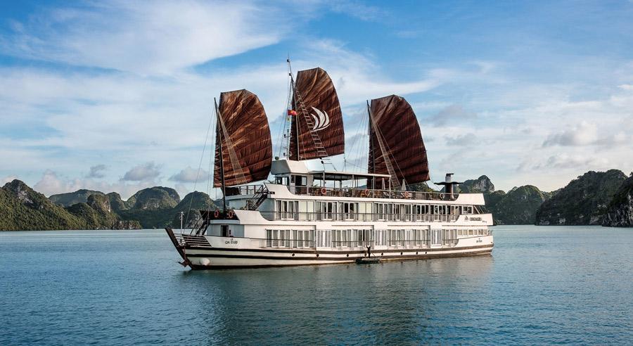 Pelican Cruise, Ha long bay Cruises, Pelican Cruise, Ha long Bay 01