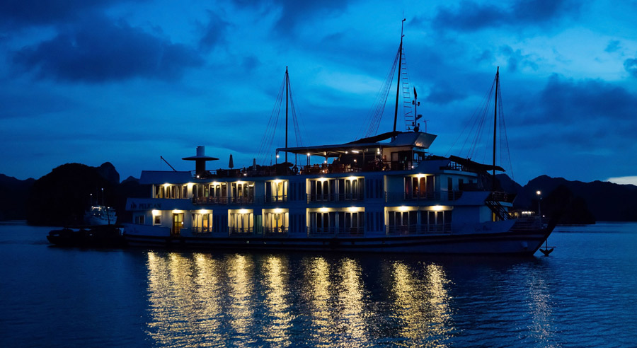 Pelican Cruise, Ha long bay Cruises, Pelican Cruise, Ha long Bay 03