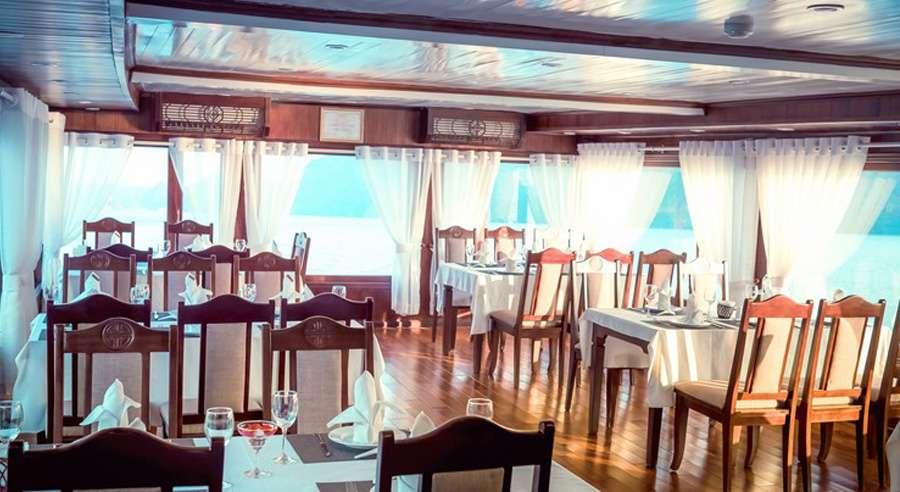 Phoenix Cruise, Halong Bay Cruises, Phoenix Cruise halong Bay 12