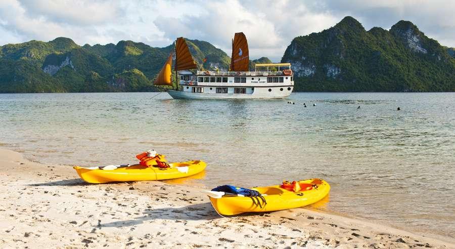 Phoenix Cruise, Halong Bay Cruises, Phoenix Cruise halong Bay 23