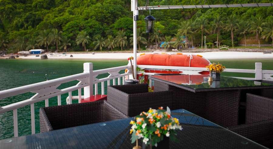 Phoenix Cruise, Halong Bay Cruises, Phoenix Cruise halong Bay 05