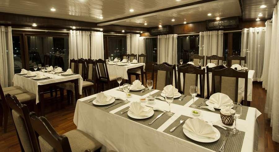 Phoenix Cruise, Halong Bay Cruises, Phoenix Cruise halong Bay 09