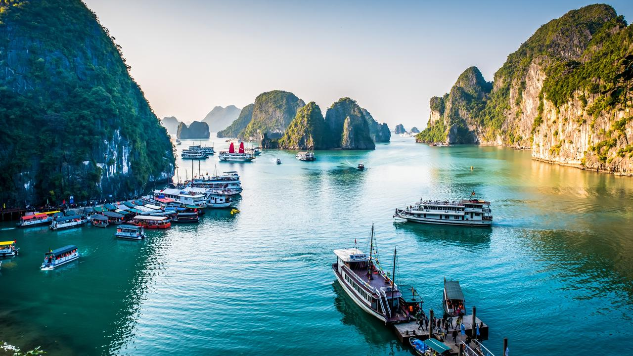 Hanoi – Halong Bay Luxury Tour – 3 Days