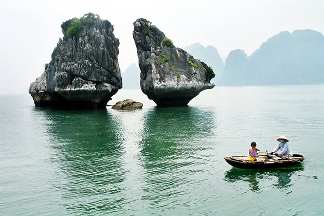 Fighting Cocks Islet Halong Bay, Halong Bay Travel, Cozy Vietnam Tours