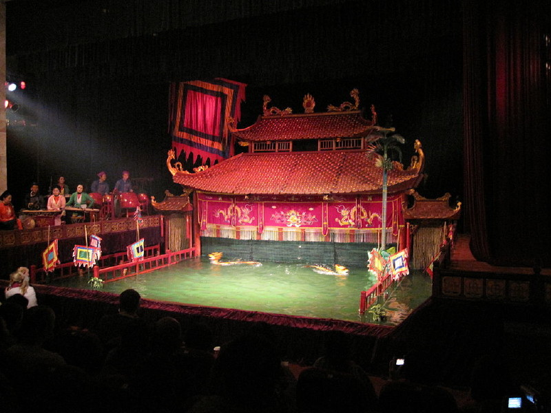 Water puppet show in Hanoi, Hanoi Package Tours, Cozy Vietnam Tours