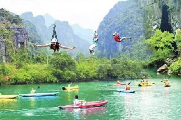 Kayaking in Phong Nha Ke Bang, Cozy Vietnam Tours