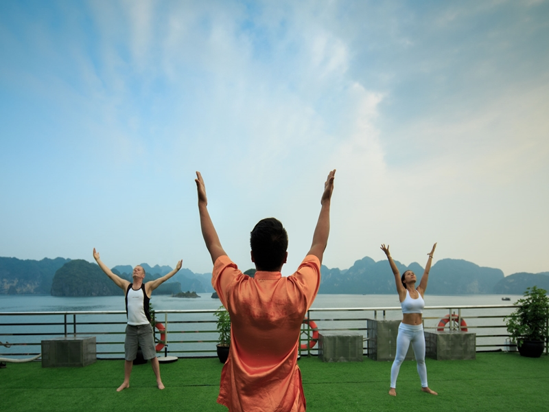 Tai Chi exercise Halong Bay, Cozy Vietnam Travel, Halong Bay Tours