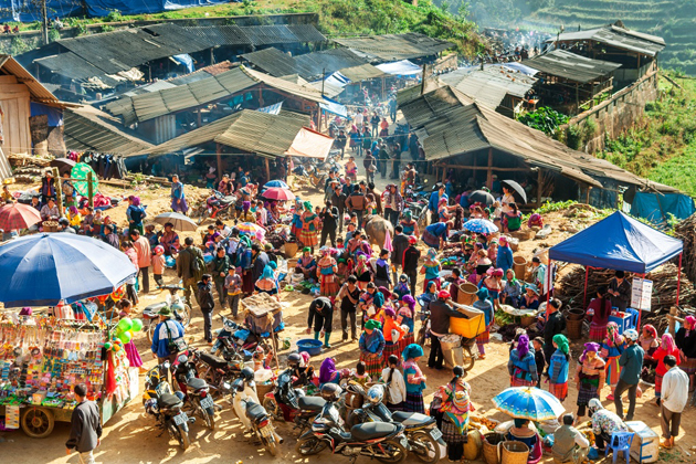 Can Cau market in sapa, sapa travel, cozy vietnam travel