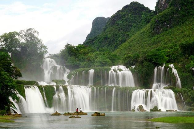 Ban Gioc Waterfall in Cao Bang, Cao Bang Tours, Cozy Vietnam Tours