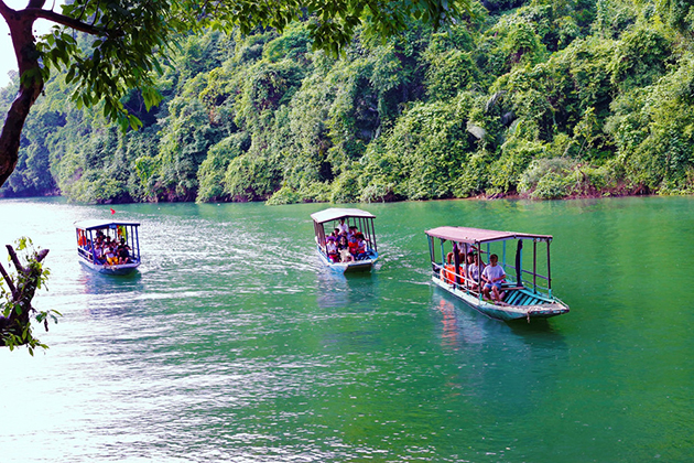 Ba Be Boat Trip Tours, Cozy Vietnam Travel