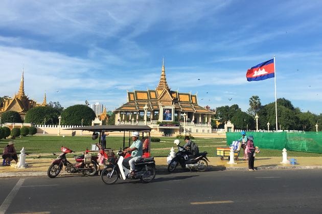 Cambodia Royal Palace, Cozy Vietnam Travel
