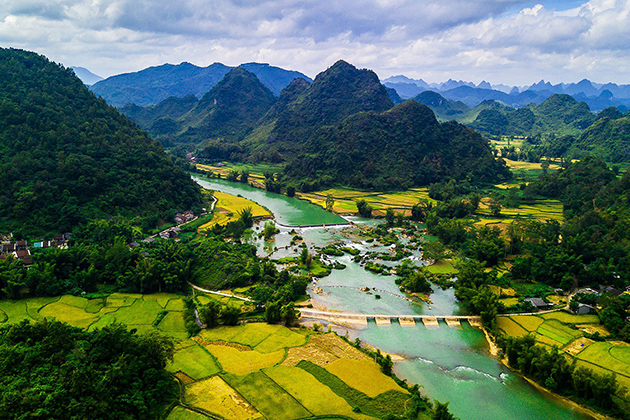 O village in Cao Bang, Tours, Cozy Vietnam Travel