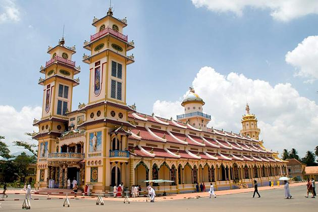 Cao Dai Temple, Mekong Delta Tours, Cozy Vietnam Package Tours