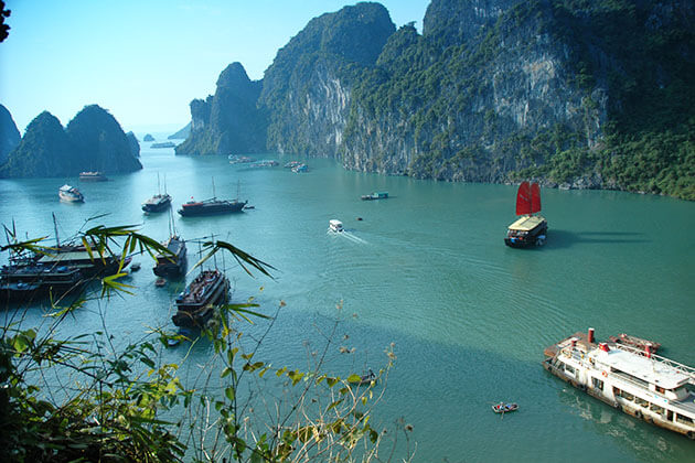 Halong Bay Overview, Halong Bay Tours, Vietnam Package Tours, Cozy Vietnam Travel