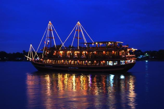 Dinner Cruise in Ho Chi Minh, Tour, Ho Chi Minh, Cozy Vietnam Travel