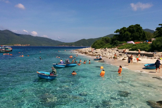 Nha Trang Beach, Nha Trang City Tours, Cozy Package Tours, Vietnam Travel