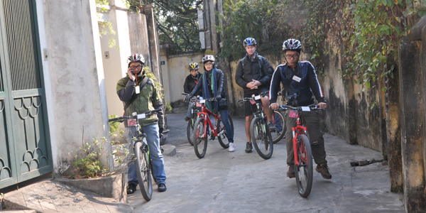 Explore the village with bike, Lien Mac Village, Cozy Vietnam Tours
