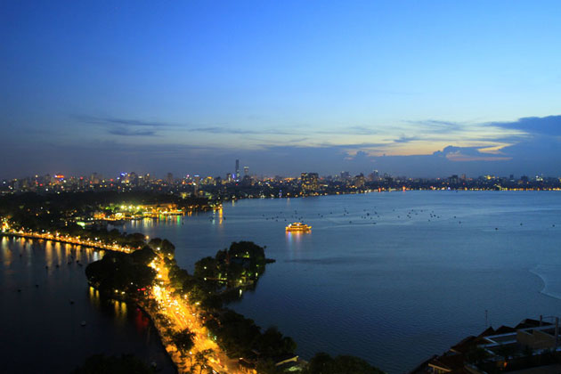 West Lake Hanoi, Hanoi City Tours, Cozy Vietnam Package Tours
