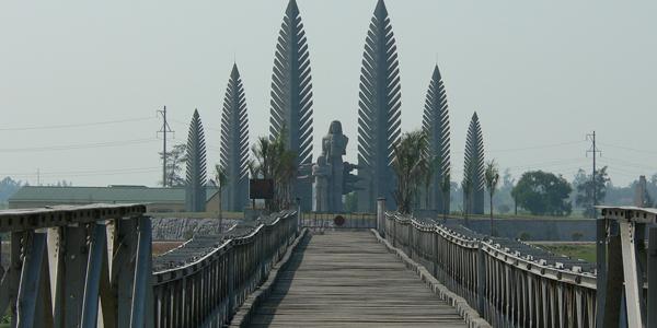 Hien Luong Bridge in former DMZ, Cozy Vietnam Travel, Vietnam Tours