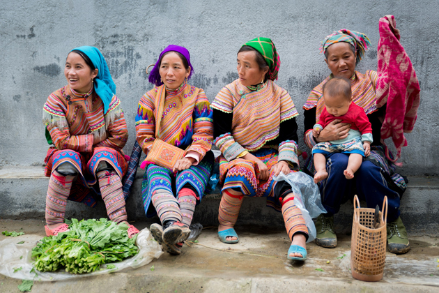 Hmong Group in Sapa, Sapa Tours, Cozy Vietnam Travel, Vietnam Tours