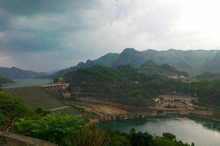 Hoa-Binh-Reservoir, Cozy Vietnam Travel