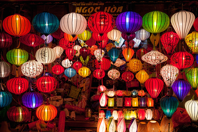 Hoi An Night Market in Quang Nam, Tour, Hoian, Cozy Vietnam Travel
