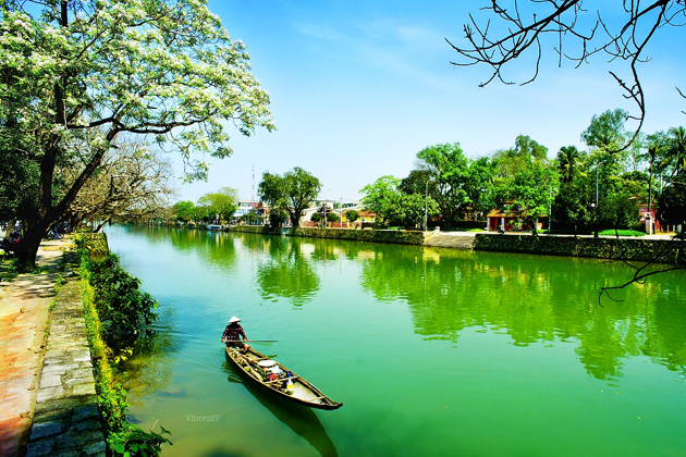 Huong river, Cozy Vietnam Travel