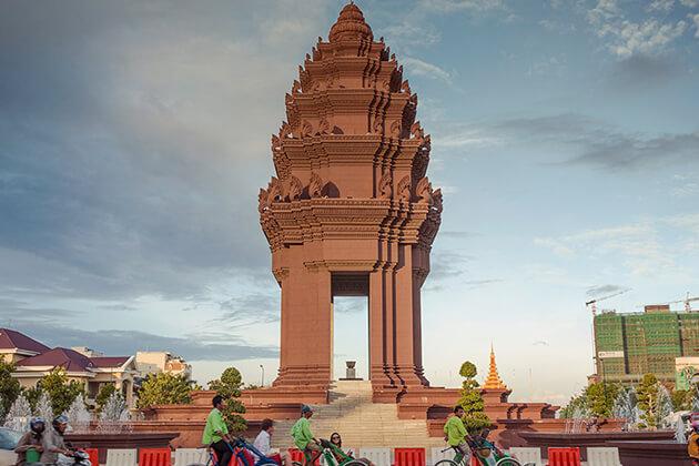 Independent-monument-in-phnom-penh