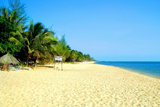 Long Beach in Phu Quoc, Cozy Vietnam Travel