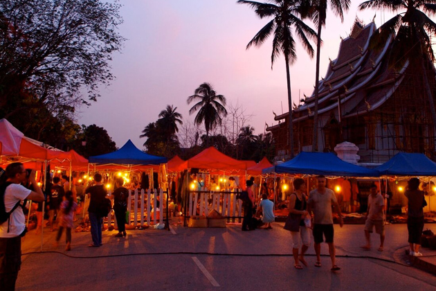 Luang Prabang Night Market in Lao, Tour, Lao, Cozy Vietnam Travel