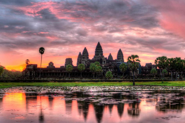 Sunrise over Angkor Wat, Cozy Vietnam Travel