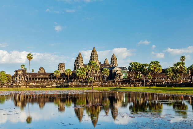 Majestic Angkor Wat, Cozy Vietnam Travel