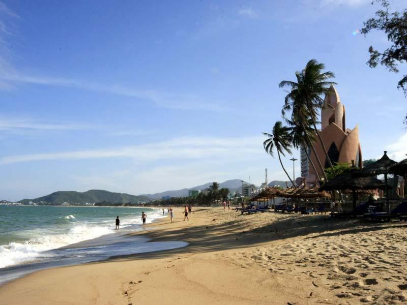 Nha Trang Beach,Nha Trang Tours,Cozy Vietnam Travel,Vietnam Tours