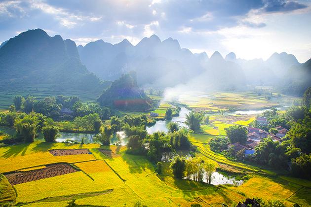Ha Quang Districts in Cao Bang, Cozy Vietnam Travel