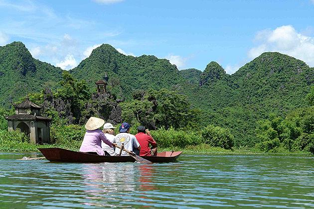 Perfume Pagoda, Hanoi Travel, Cozy Vietnam Tours