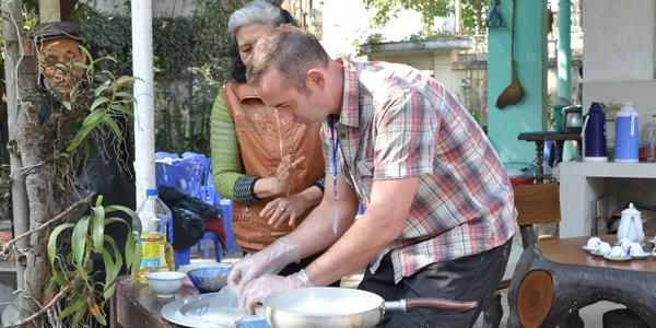 Prepare for lunch, Hanoi Tours, Cozy Vietnam Travel