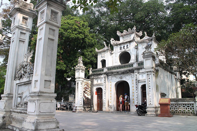 Quan Thanh Temple, Hanoi City Tours, Vietnam Package Tours, Cozy Vietnam Travel