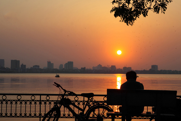 West Lake in Hanoi, Cozy Vietnam Tours, Hanoi City Tours