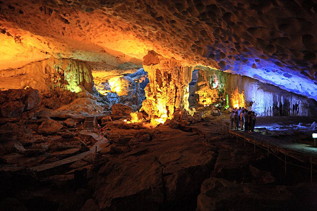 Sung Sot Cave Halong Bay, Halong Bay Travel, Cozy Vietnam Travel