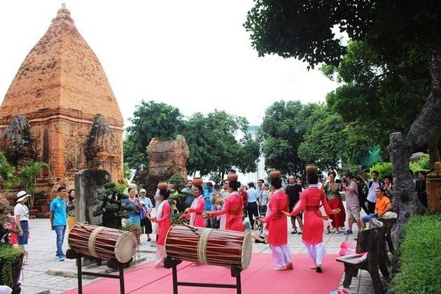 Ponagar Temple in Nha Trang, Nha Trang City Tours, Cozy Vietnam Tours