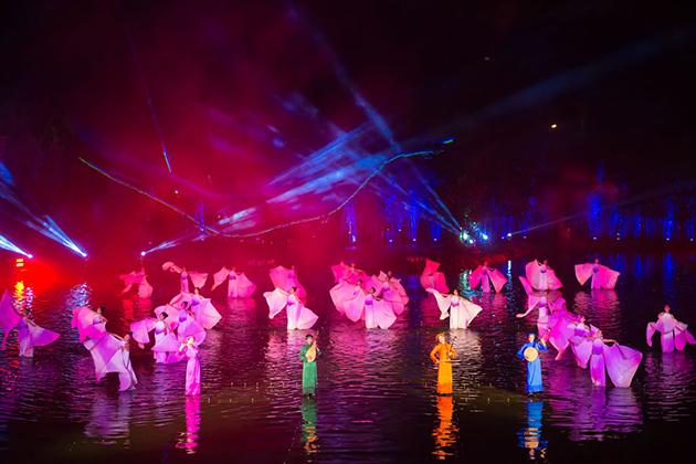 Tonkin Show Vietnam, Cozy Vietnam Travel, Vietnam Tours