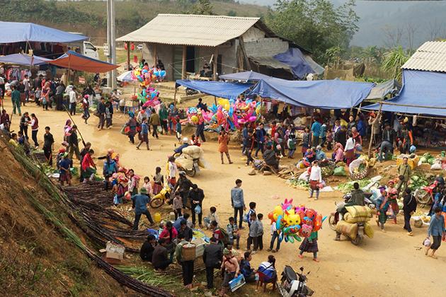 Coc Ly market in Sapa, Vietnam Sapa Tours, Cozy Vietnam Tours