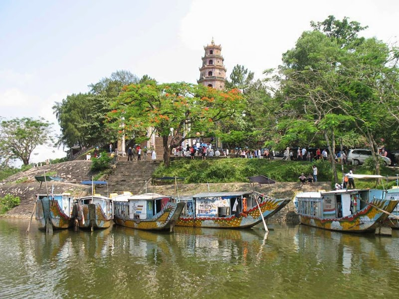Thien Mu Pagoda in Hue, Cozy Vietnam Travel
