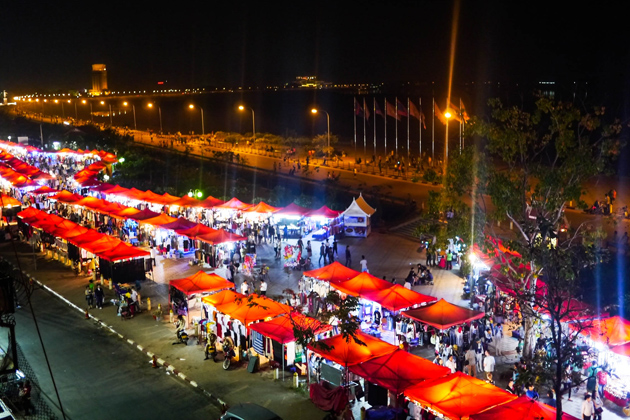Vientiane Night Market in Lao, Tours, Vientiane Night Market, Cozy Vietnam Travel