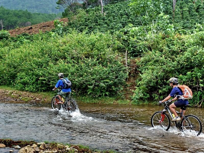 Vietnam Biking Tours, biking vietnam tours